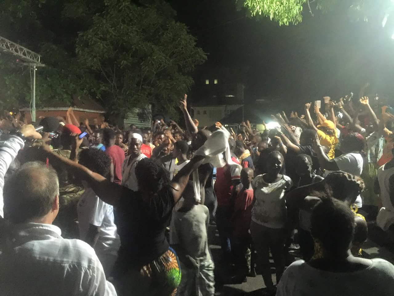 Sierra Leoneans celebrate at the declaration that ther country is now Ebola free (Photo, Umaru Fofana)