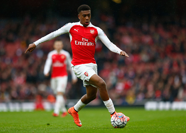 LONDON, ENGLAND - FEBRUARY 20:  Alex Iwobi of Arsenal in action during the Emirates FA Cup fifth round match between Arsenal and Hull City at Emirates Stadium on February 20, 2016 in London, England.  (Photo by Julian Finney/Getty Images)
