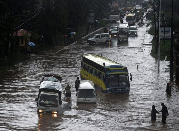 building-collapse-kenya-floods-7